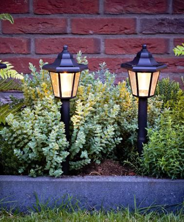 Arredamento da giardino idee green for Arredamento da giardino prato