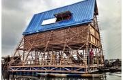 Scuola Galleggiante di Makokos