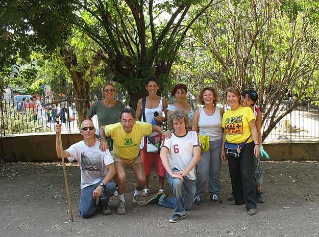 """Volontari per l'iniziativa """"Puliamo il Mondo"""""""
