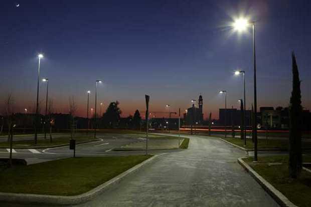 Sulbiate area parcheggio illuminata CityTouch