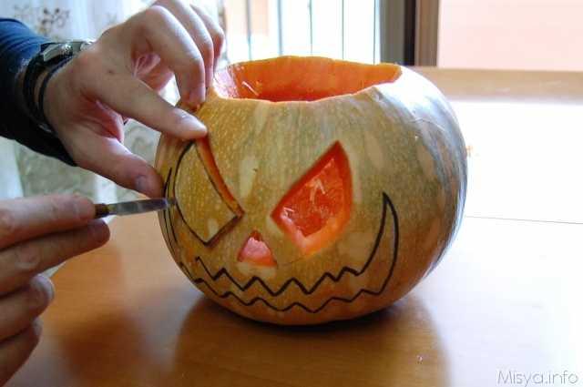 Come fare la zucca di Halloween - Idee Green a0bc89bc22b4