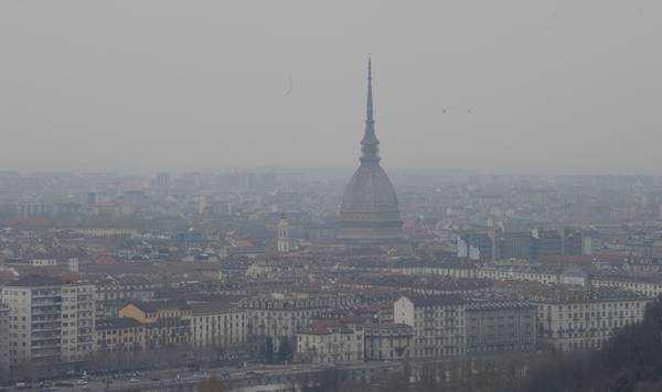 Veduta di Torino con mole antonelliama