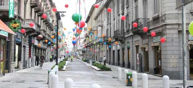 Una veduta di via Paolo Sarpi a Milano