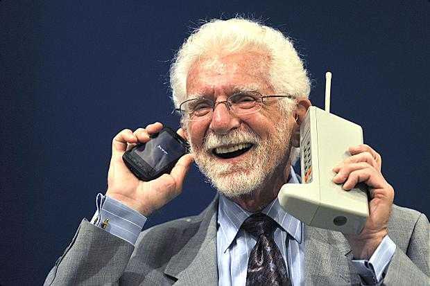 Martin Cooper ideatore del primo telefono portatile