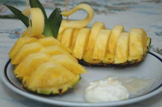 come tagliare l'ananas