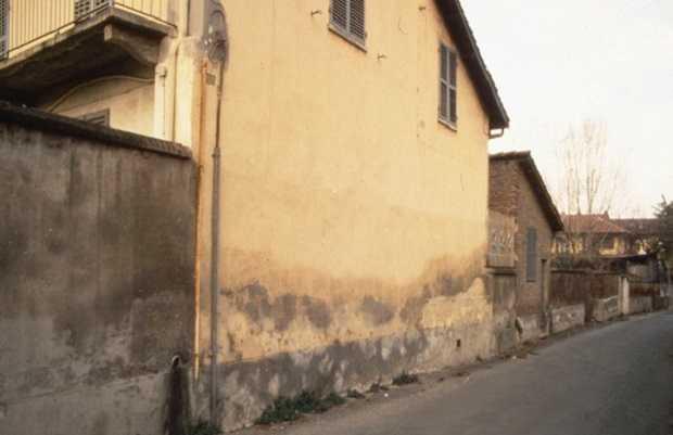Umidit di risalita causa e danni correlati idee green - Umidita muri esterni casa ...