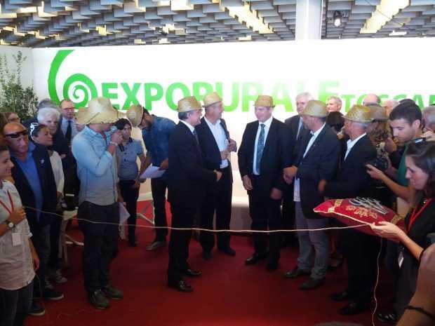 Taglio del nastro a Expo RURALE Toscana 2013