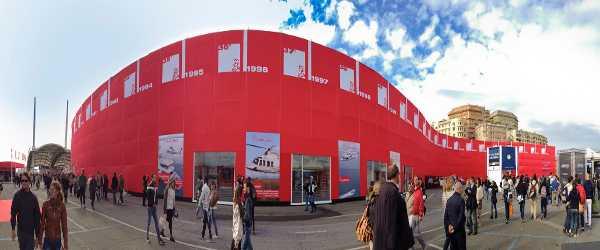 red-wall-salone-nautico