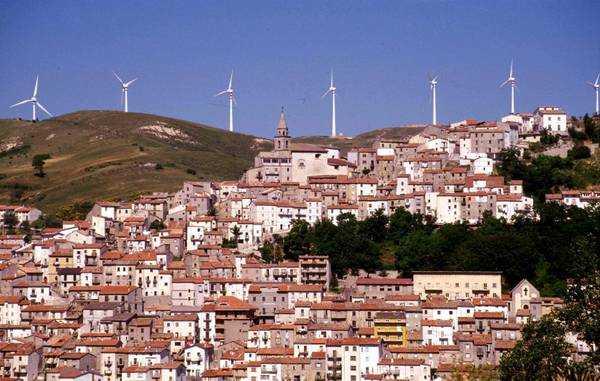 ENERGIA: AGLI ITALIANI PIACE EOLICO, 80% DICE SI'