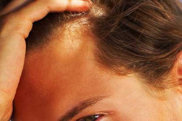 Mezzi per le punte frustate di risposte di capelli