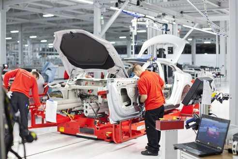 tesla-factory-model-s-electric-cars-9993.jpg.492x0_q85_crop-smart