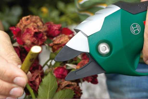 potatura-cesoie-giardinaggio-batteria
