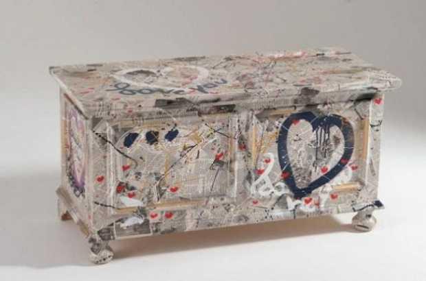 Restaurare vecchi mobili con il decoupage idee green - Decoupage su mobili in legno ...