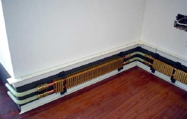 Riscaldamento a battiscopa idee green for Migliori tubi per l impianto idraulico