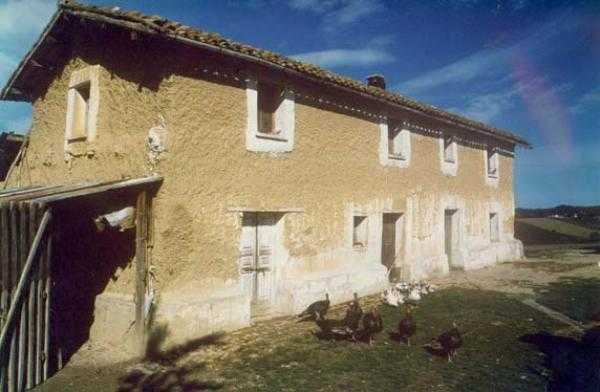Dal Centro di documentazione sulle case di terra di Casalincontrada (Chieti)