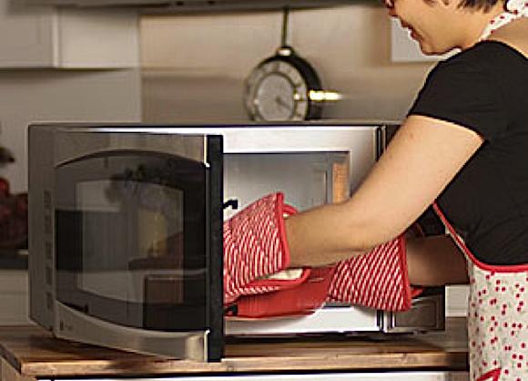 usare forno a microonde