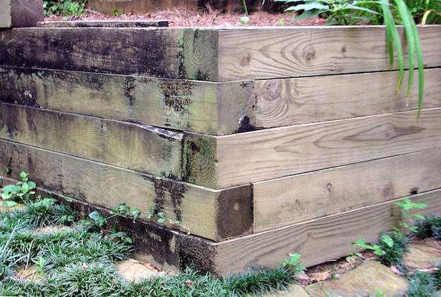 come costruire una fioriera in legno idee green