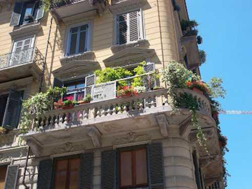 Come progettare un balcone fiorito idee green for Idee per terrazzi fioriti
