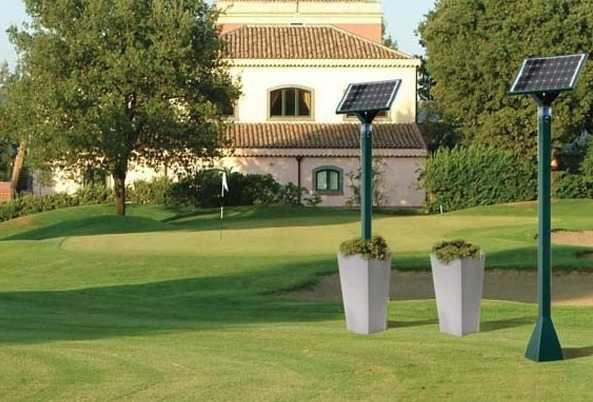 Lampada solare da giardino idee green for Lampioni da giardino a led