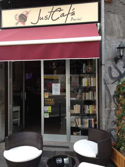 Just Cafe e bookcrossing a Milano