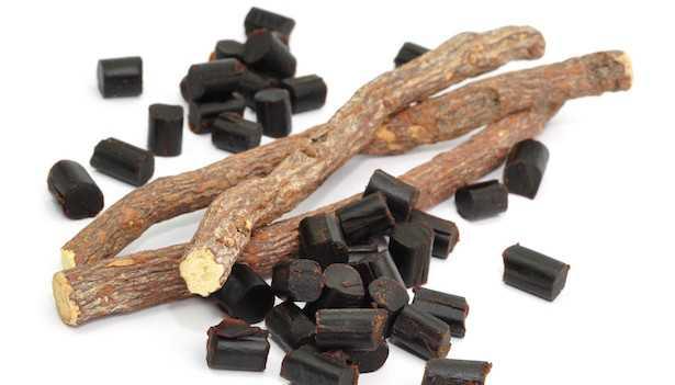 liquore liquirizia ricetta con caramelle o polvere
