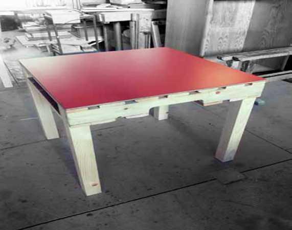 Riciclo creativo dei pallet di legno idee green - Tavolo con pedane ...