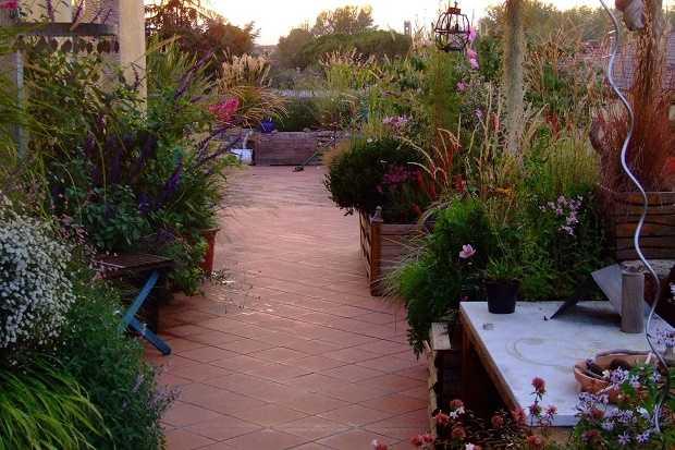 Come progettare un giardino in terrazza idee green - Idee per realizzare un giardino ...