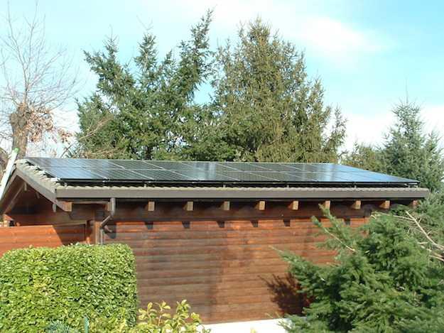 Quanto costa un tetto fotovoltaico idee green for Quanto costa un garage per una macchina