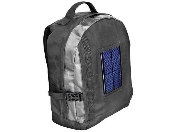419c910319 Gli zaini solari sono zaini con un pannello solare connesso a una batteria  e ci permettono di caricare cellulari e console portatili nelle giornate di  sole.