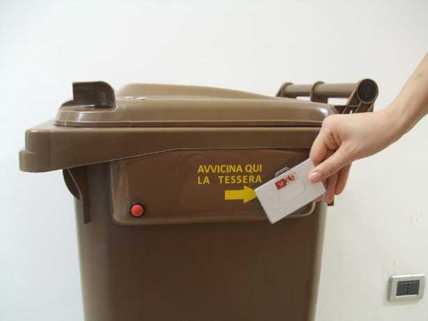 cassonetto-intelligente-rifiuti-umidi