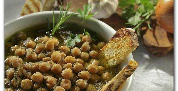 Come cucinare i ceci zuppe e focacce idee green for Cucinare per 50