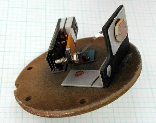 Il meccanismo interno di un interruttore crepuscolare