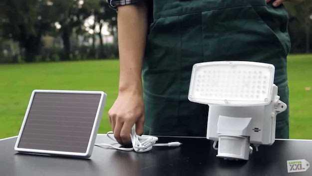 lampada solare a led da giardino