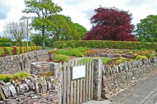Idee per arredare il giardino idee green - Arredare piccolo giardino ...