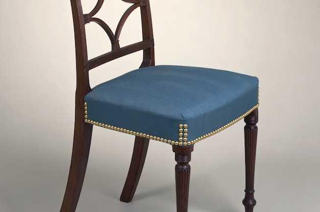 Imbottitura sedia fai da te l 39 occorrente idee green - Tappezzare sedia costo ...