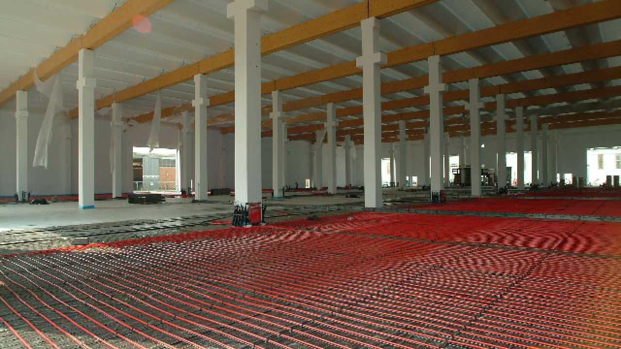 Pannelli Radianti Al Posto Dei Termosifoni impianti di riscaldamento a pavimento - idee green