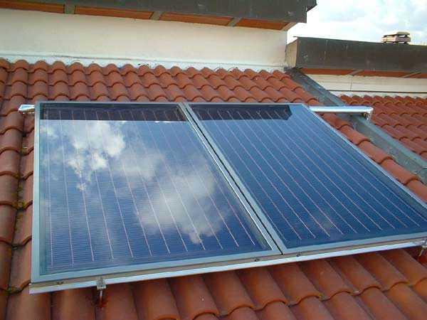 montare un pannello solare per acqua calda idee green