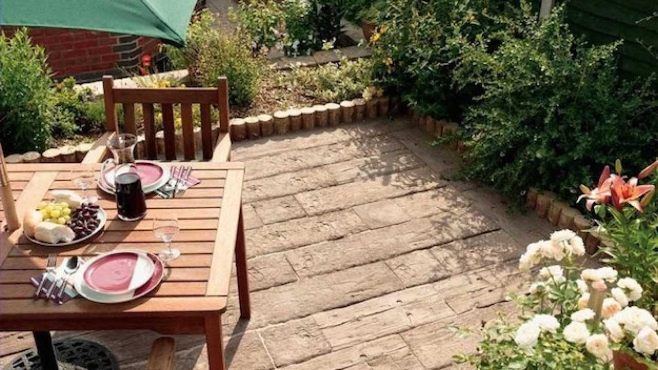 Pedana Di Legno Per Giardino costruire un pavimento in legno per giardino - idee green