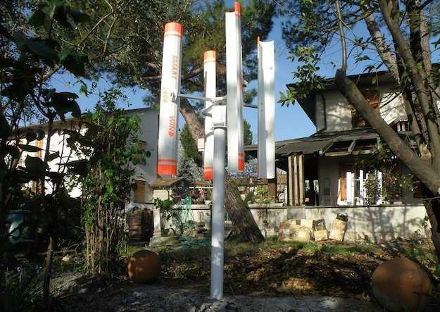 Kit eolico ad asse verticale idee green for Turbine eoliche domestiche