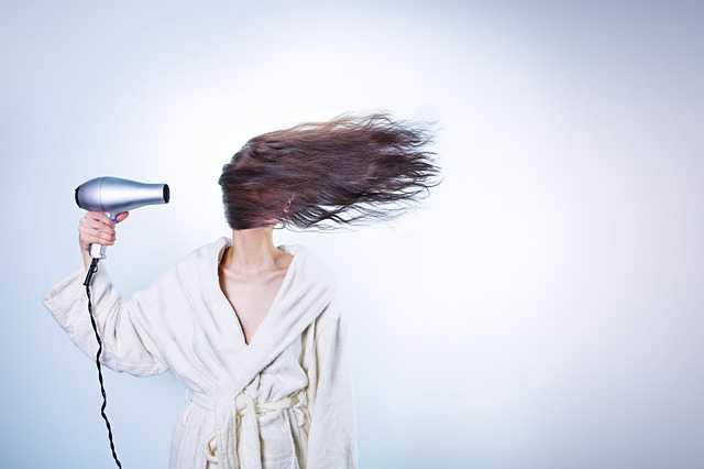 Come curare i capelli in modo naturale