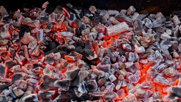 come riciclare la cenere del camino