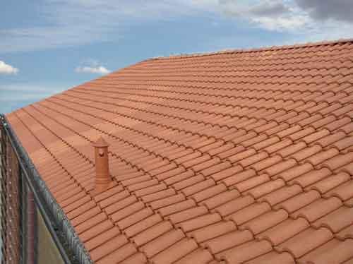 Come montare le tegole portoghesi idee green for Tegole del tetto della casetta