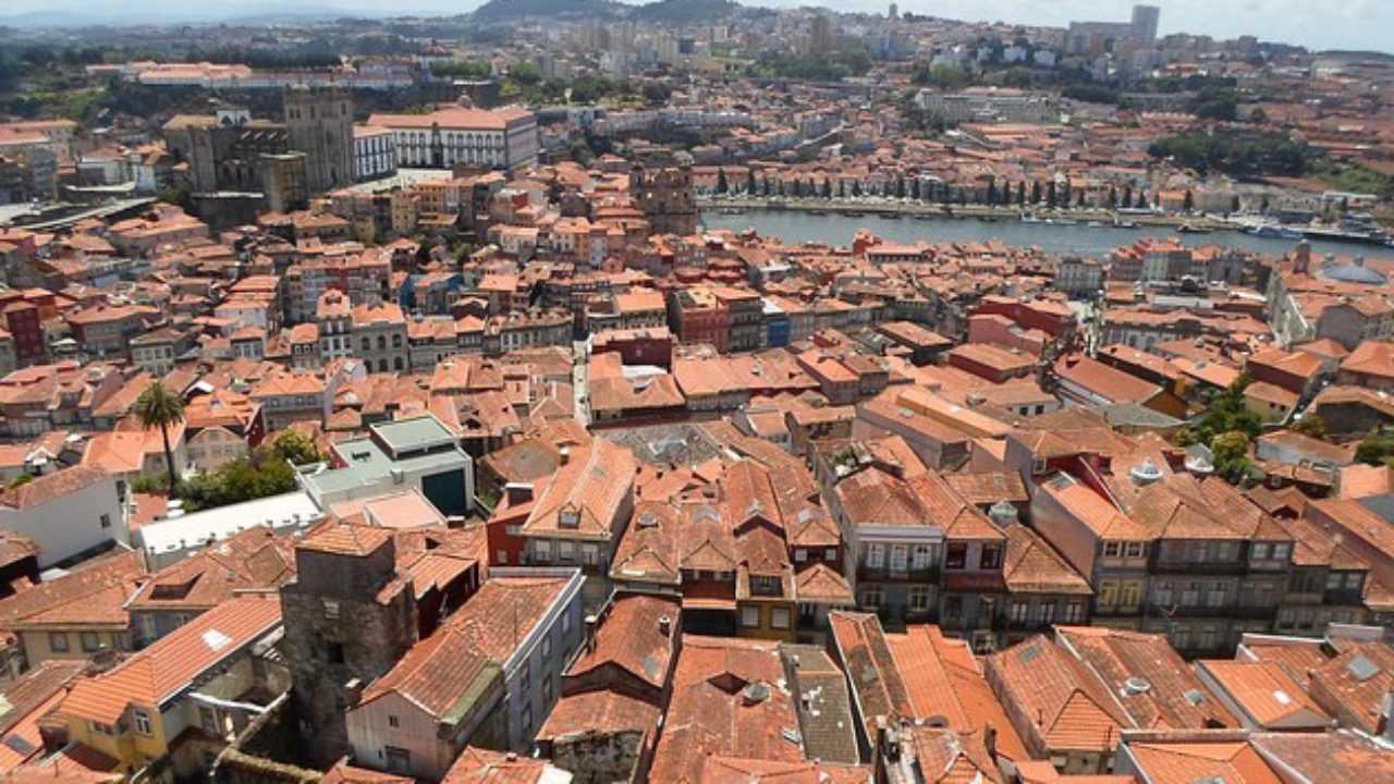 Quanto Costa Rifare Il Tetto rifacimento del tetto e pannelli solari - idee green