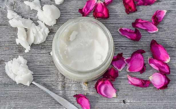 olio di cocco benefici pelle capelli denti