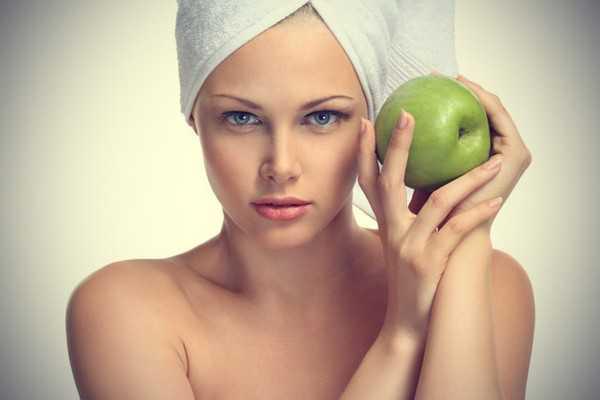 rimedi naturali contro le macchie della pelle