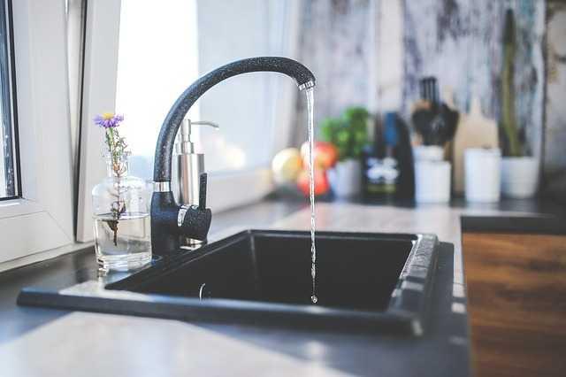 acqua del rubinetto fa male