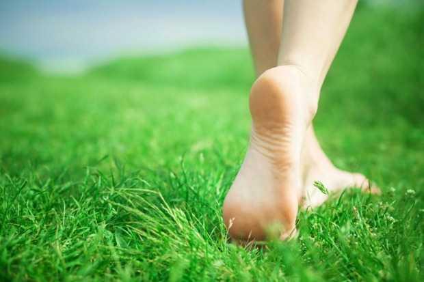 rimedi contro piedi e caviglie gonfie