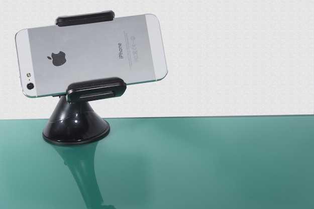 supporto smartphone per macchina