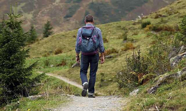 cosa portare in trekking