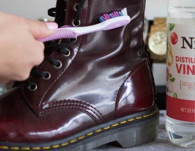 pretty nice c9e95 a6af5 Come pulire le scarpe - Idee Green